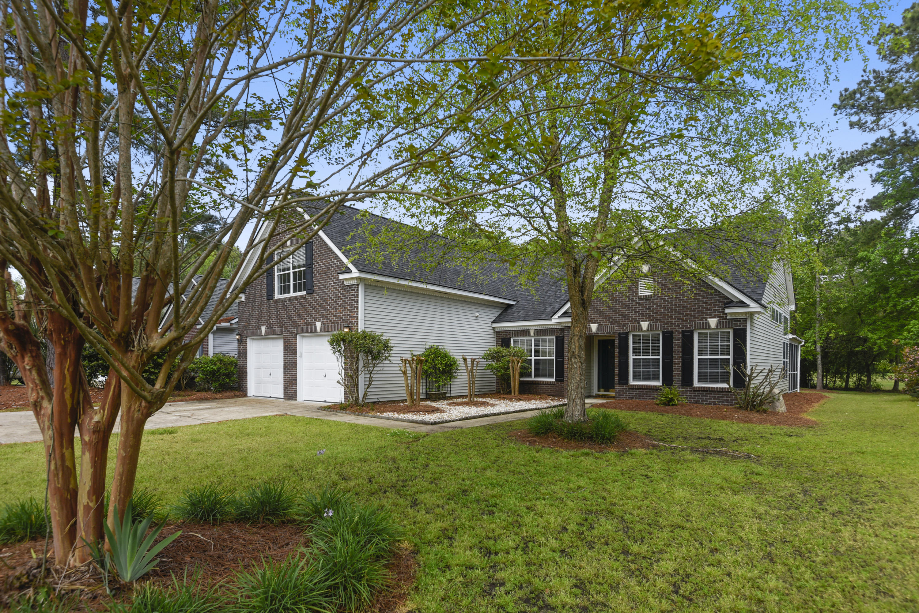 554 Pointe Of Oaks Road Summerville, SC 29485