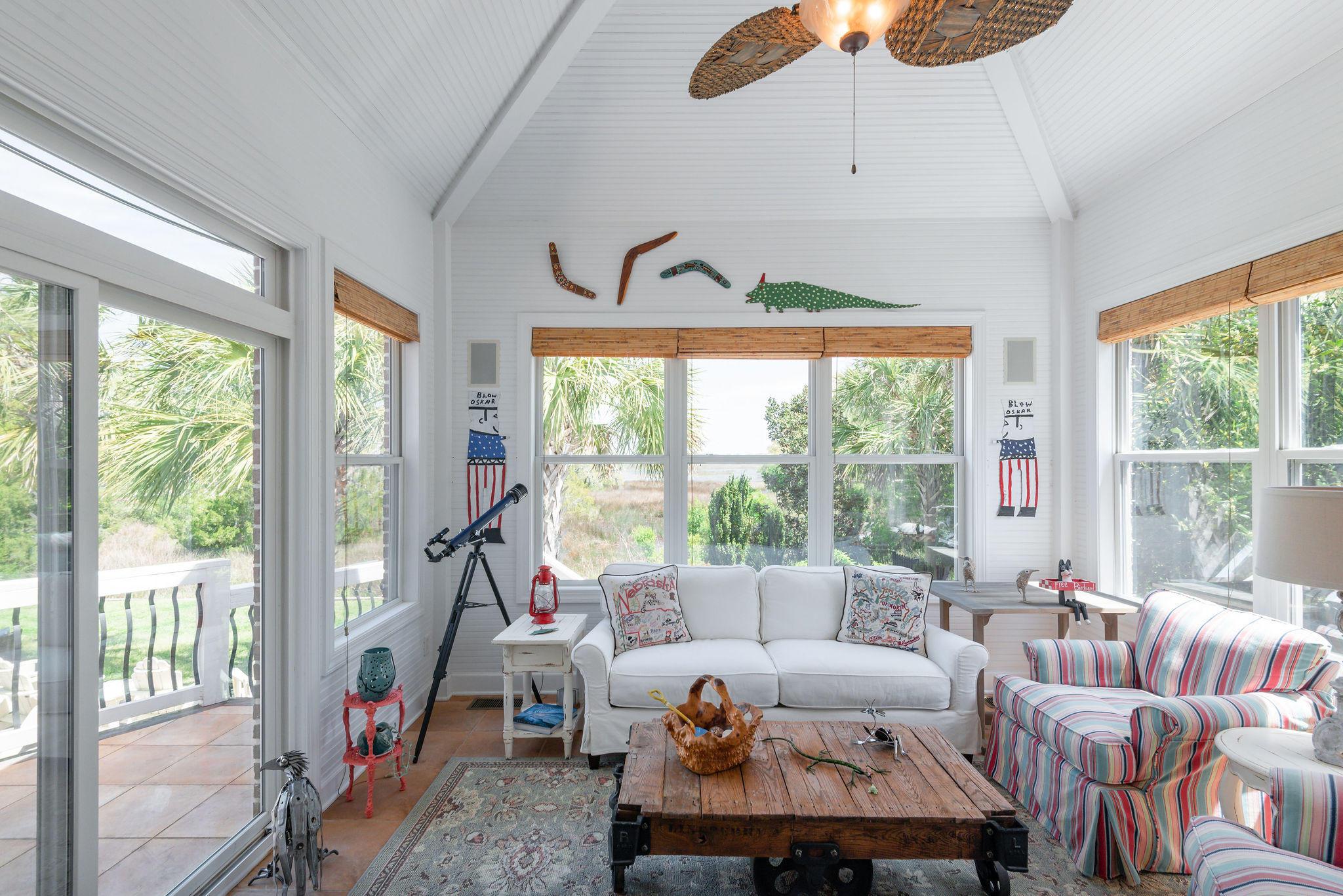 Ellis Oaks Homes For Sale - 828 Mary River, Charleston, SC - 29