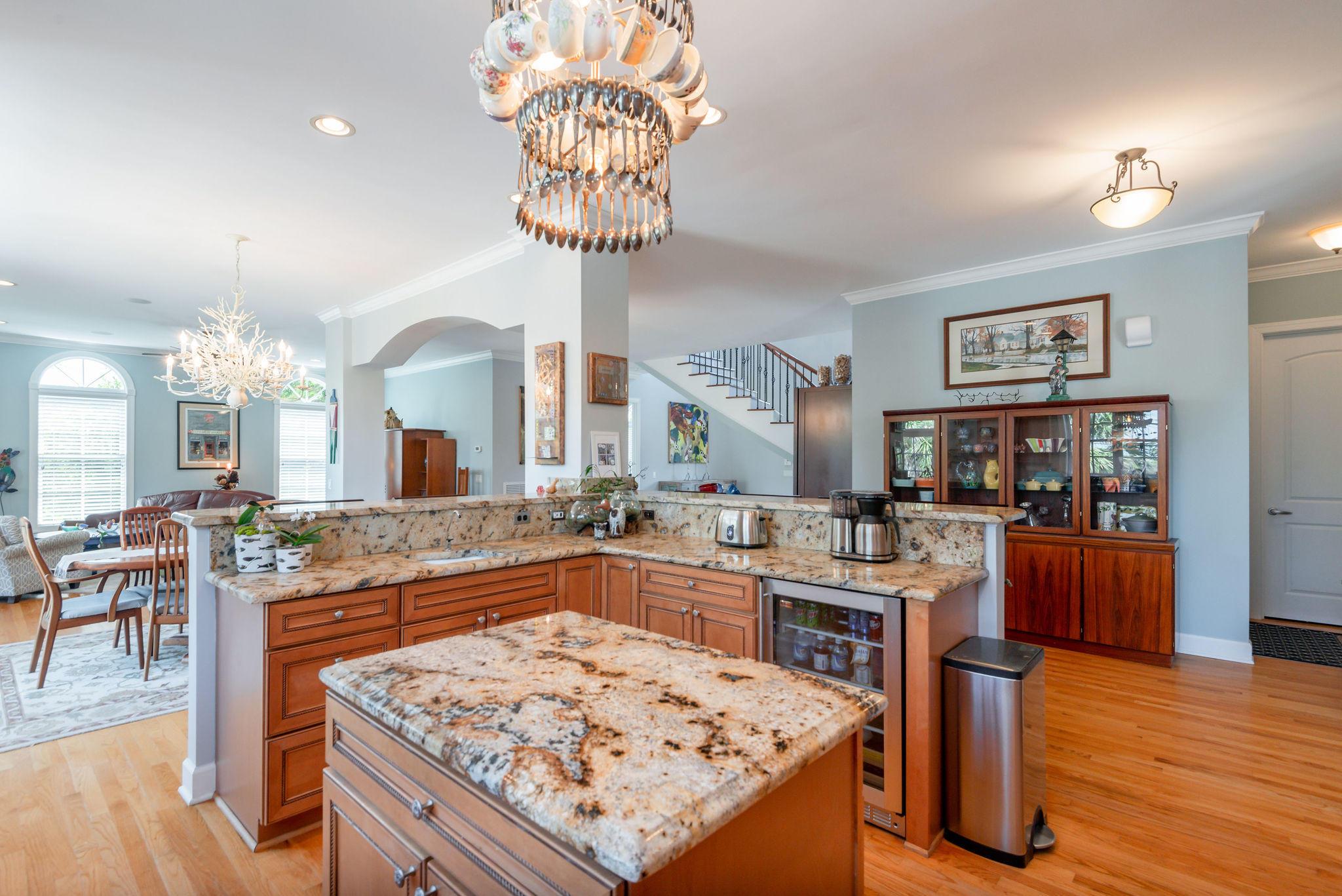 Ellis Oaks Homes For Sale - 828 Mary River, Charleston, SC - 27