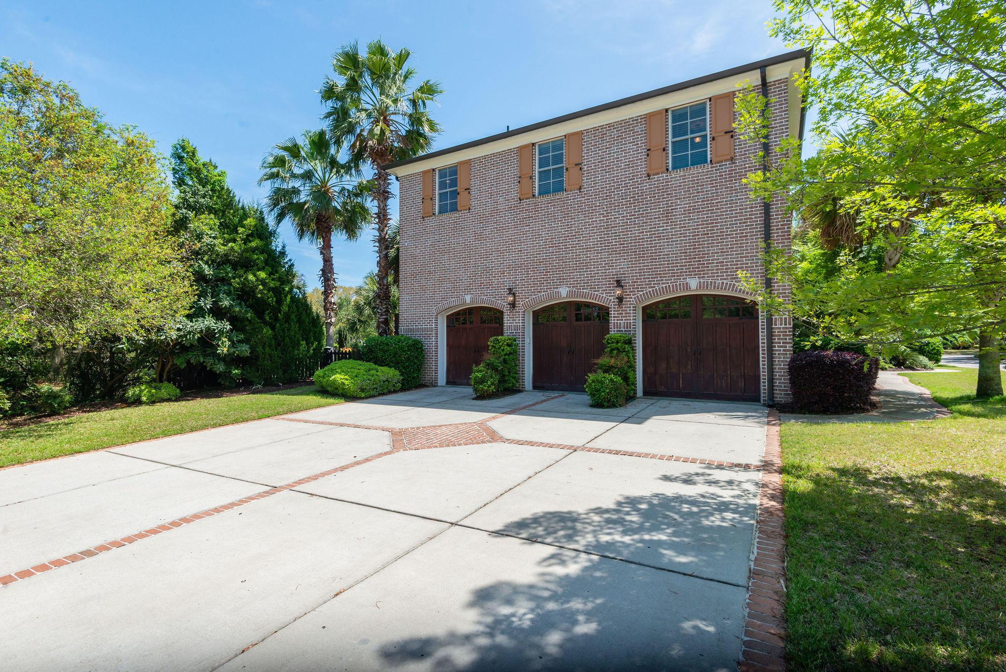 Ellis Oaks Homes For Sale - 828 Mary River, Charleston, SC - 2