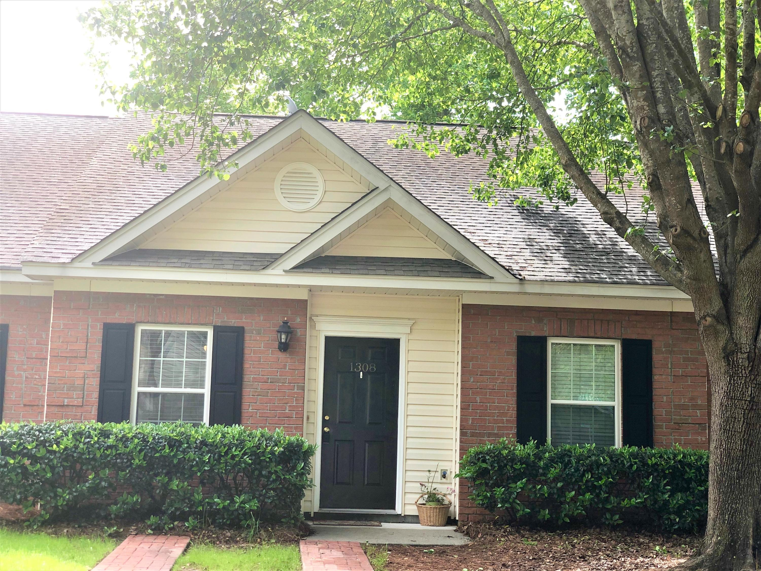 1308 Old Tabby Lane Mount Pleasant, SC 29464