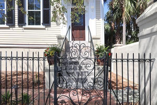 174 Tradd Street Charleston, SC 29401