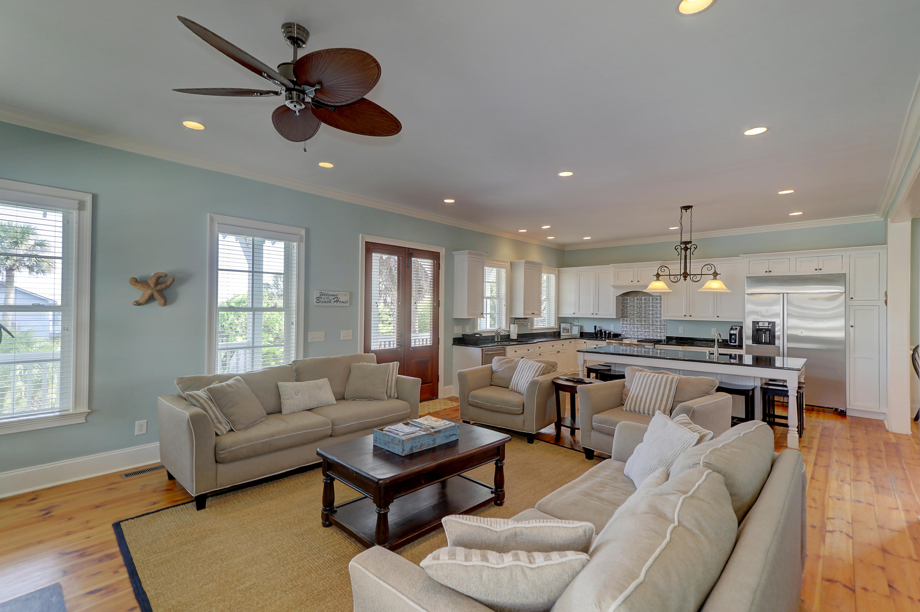 318 W Ashley Avenue Folly Beach, SC 29439
