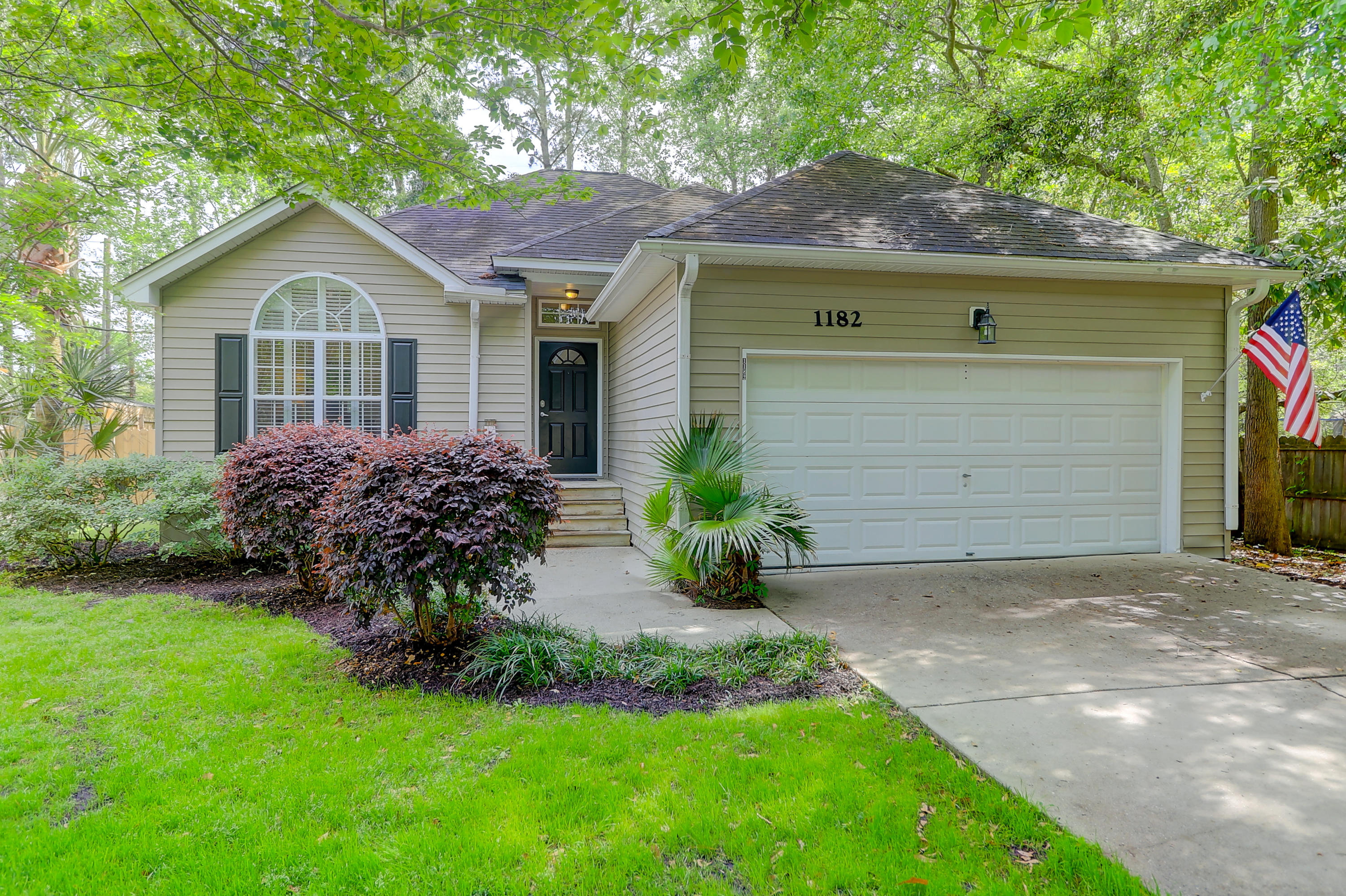 1182 Pittsford Circle Charleston, SC 29412