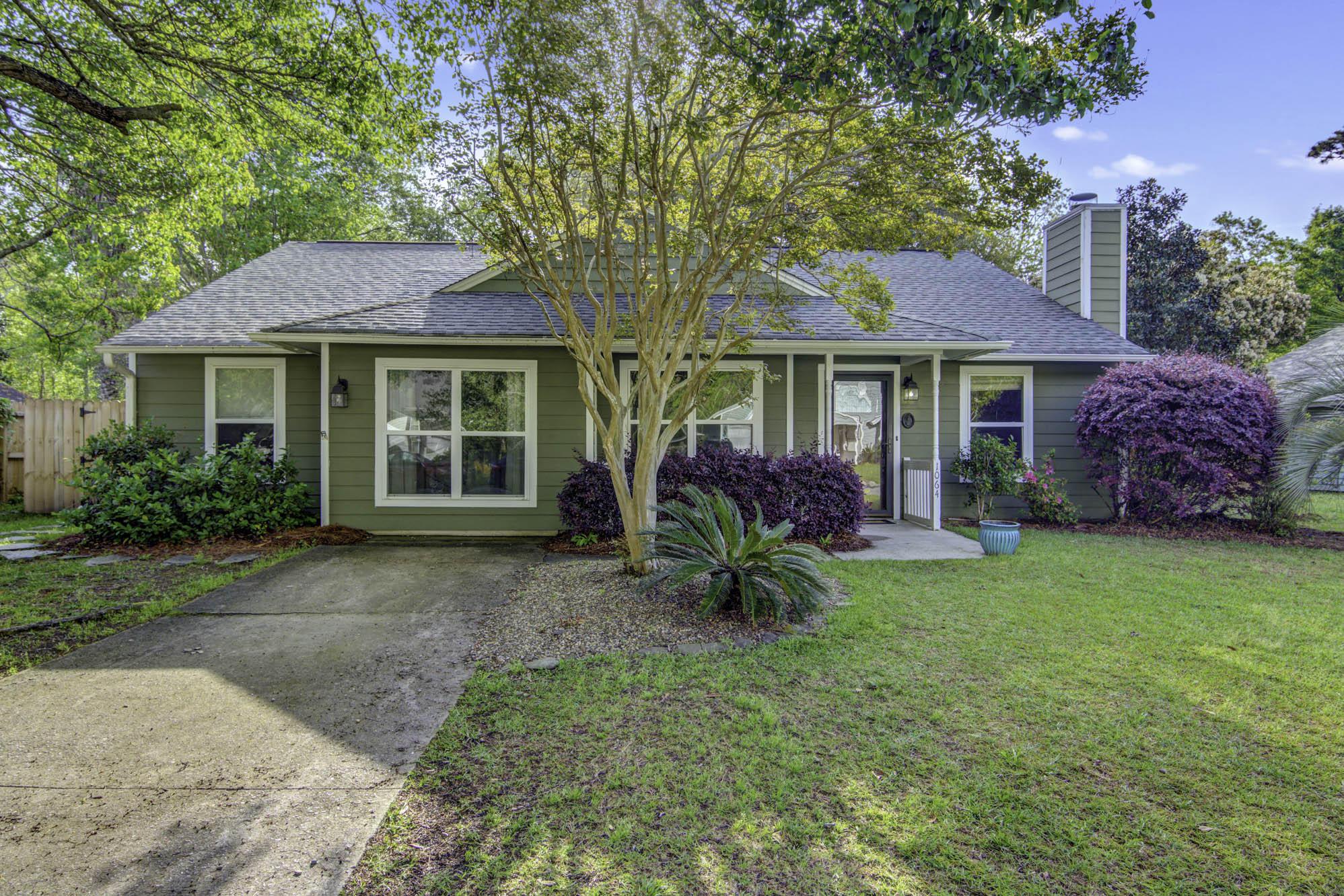 1064 Oakcrest Drive Charleston, SC 29412