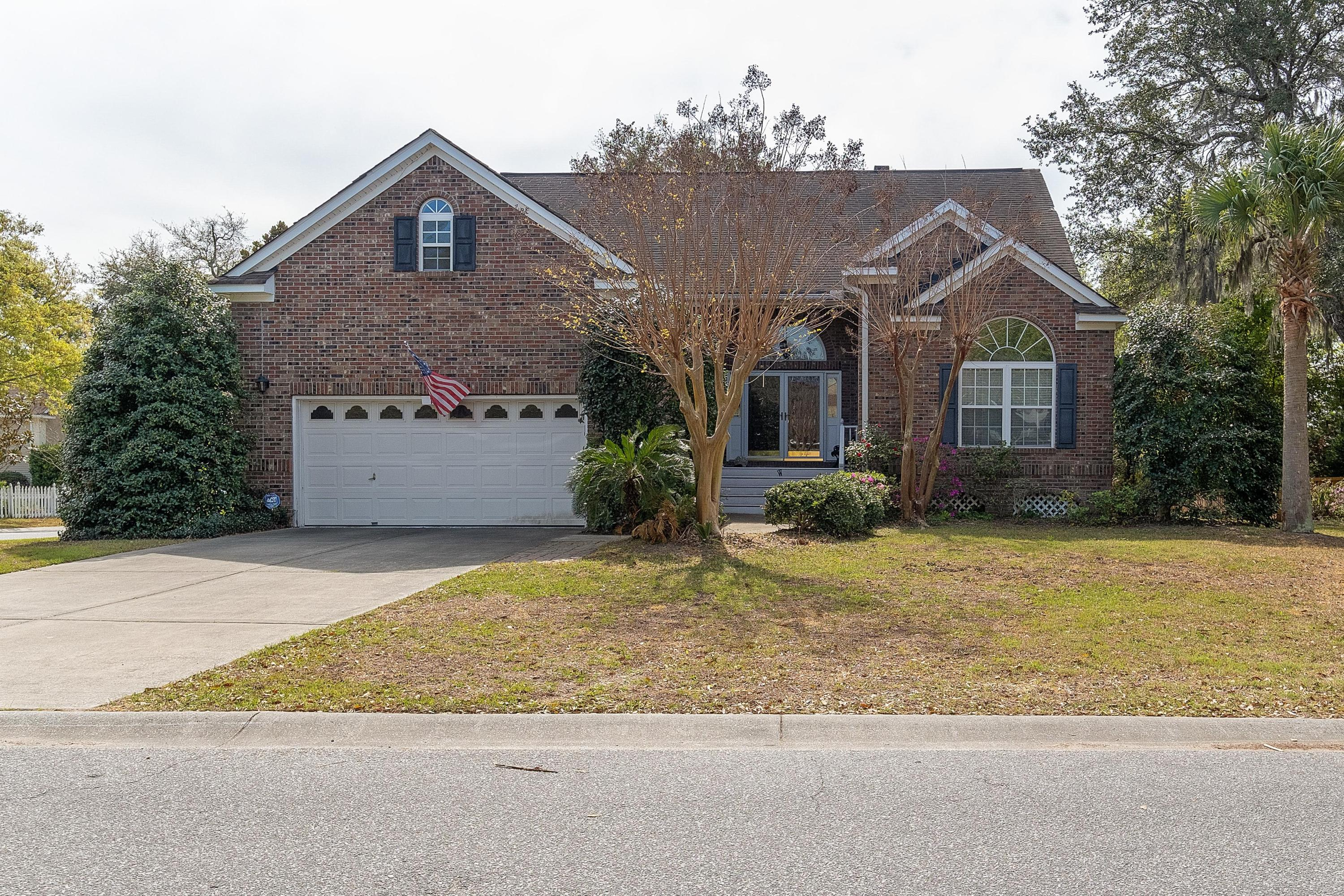 1260 Palmetto Peninsula Drive Mount Pleasant, SC 29464