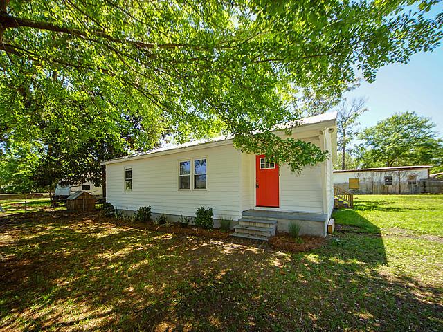 1138 Carter Avenue Mount Pleasant, SC 29464