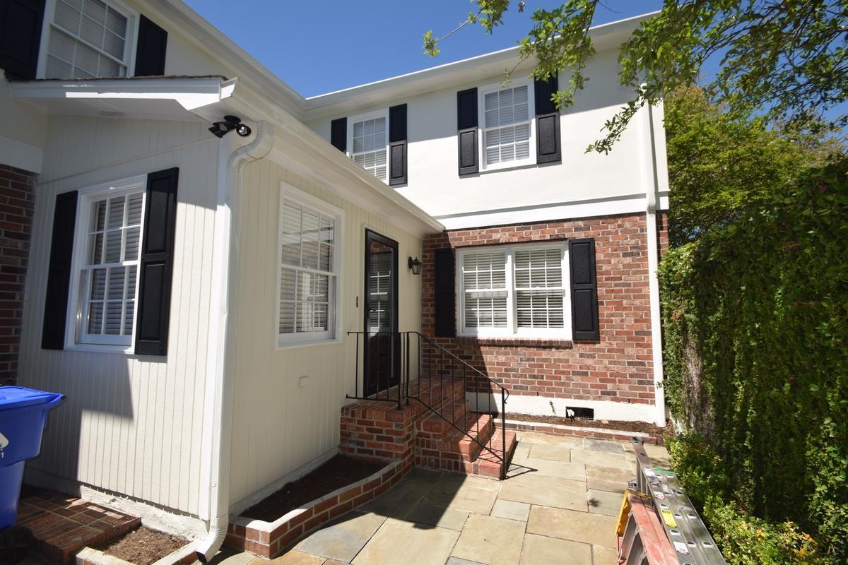 2 Poulnot Lane Charleston, SC 29401