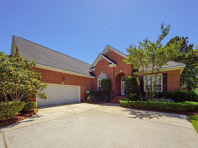 2736 Waterpointe Circle Mount Pleasant, SC 29466