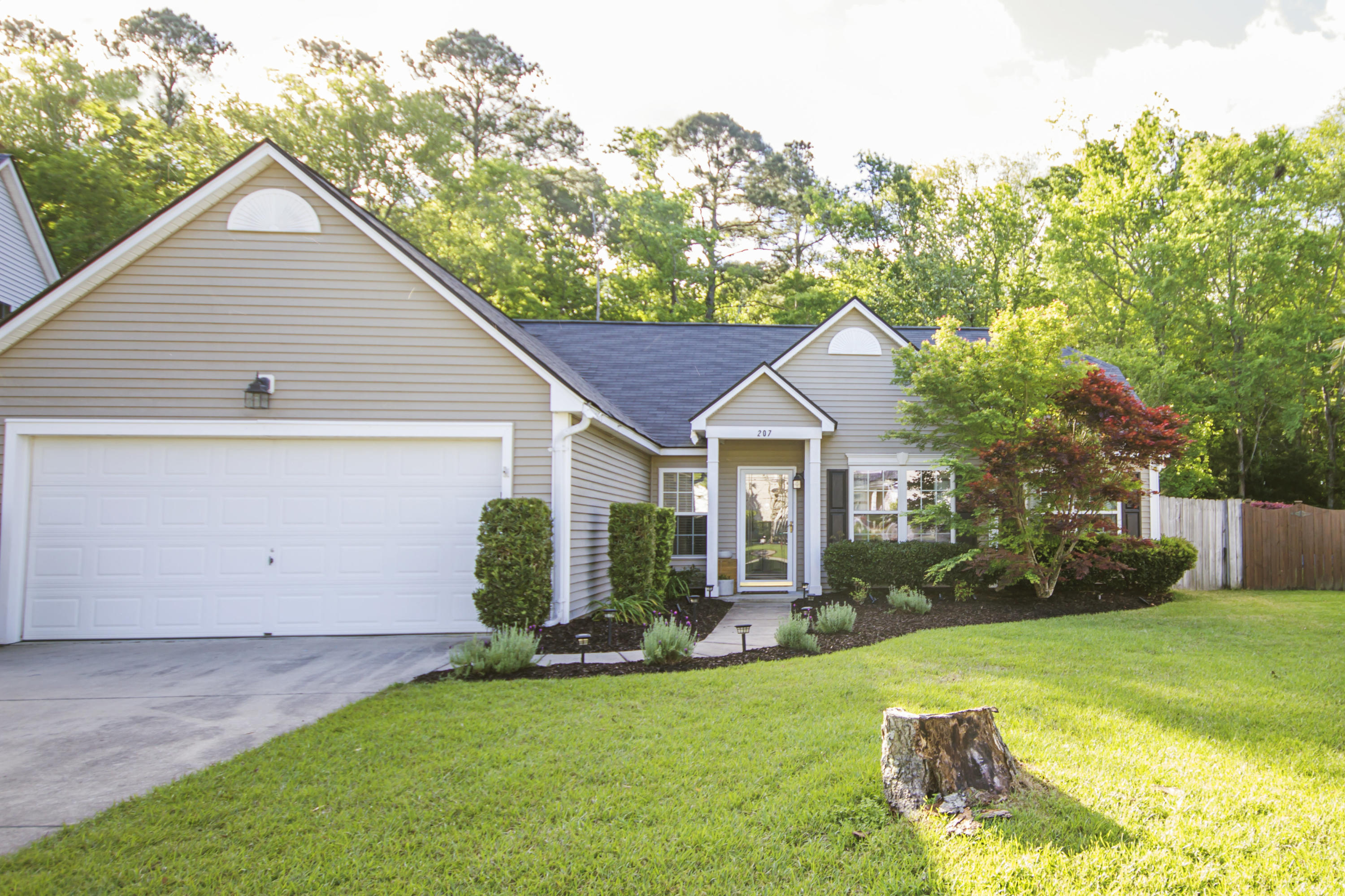 207 Ashford Circle Summerville, SC 29485