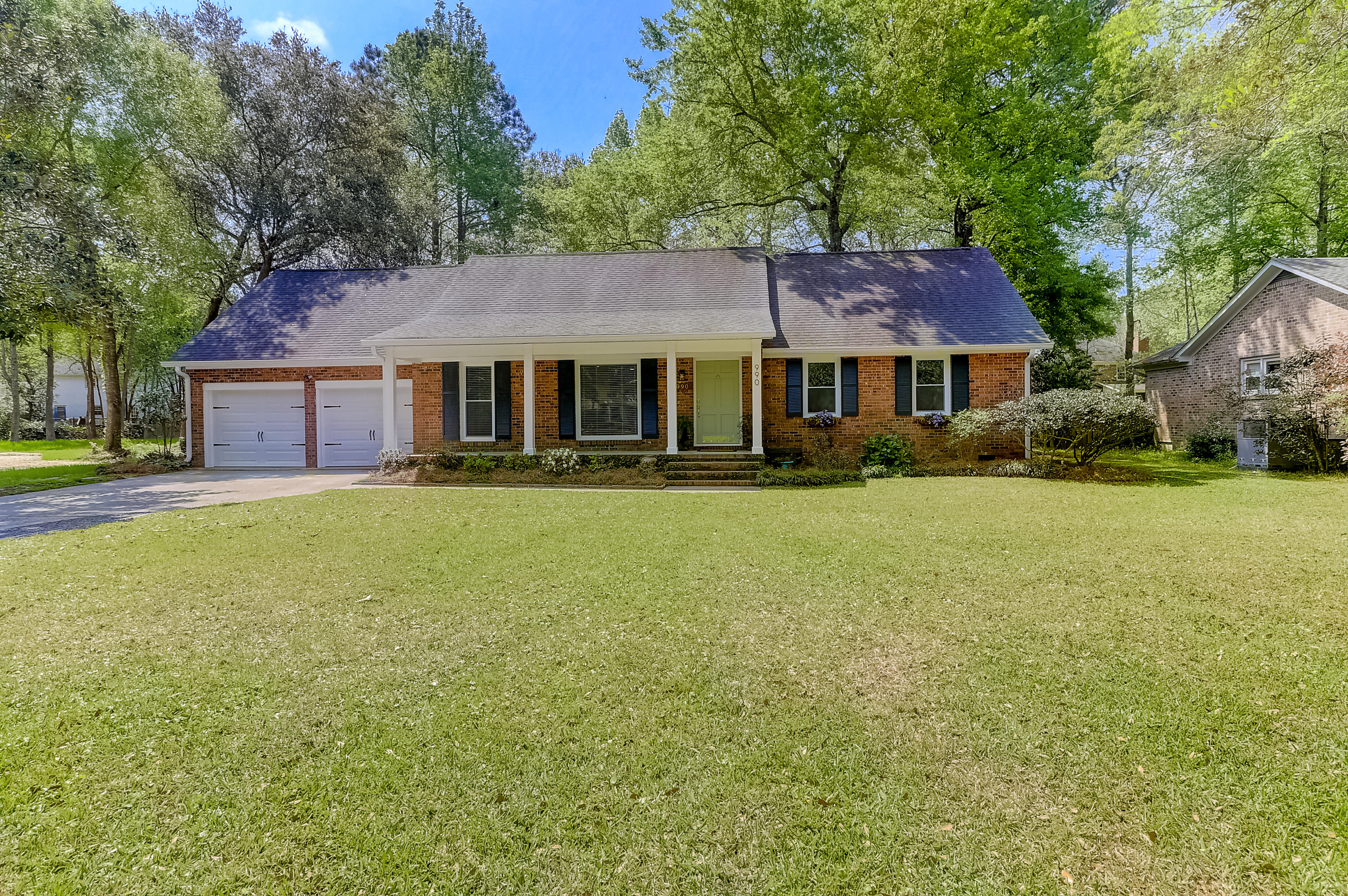 990 Colonial Drive Mount Pleasant, SC 29464