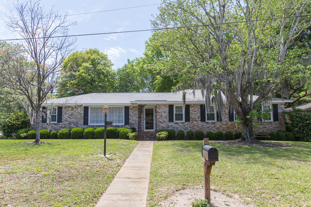 1117 Charlotte Lane Mount Pleasant, SC 29464