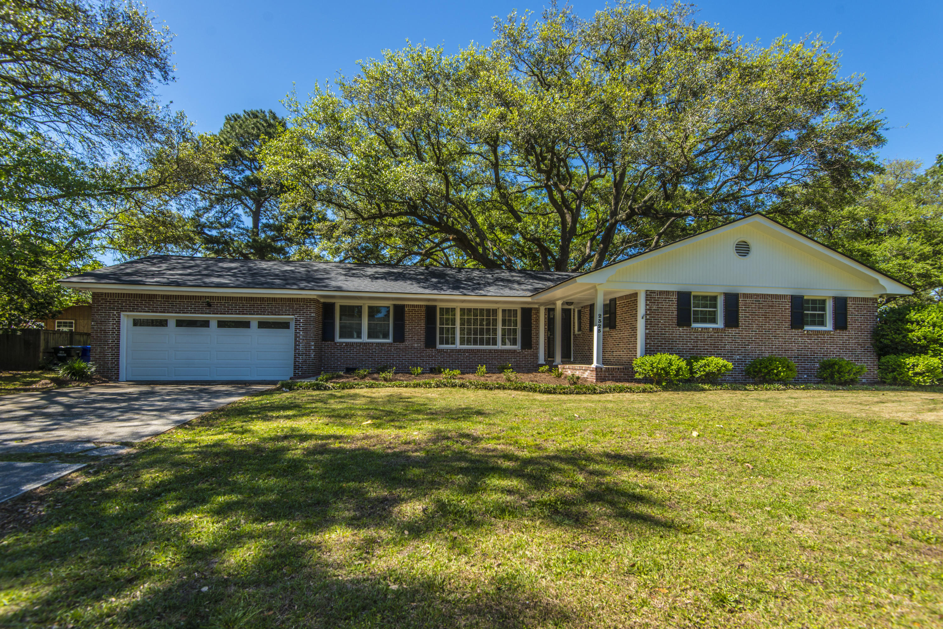 2325 Furman Drive Charleston, SC 29414