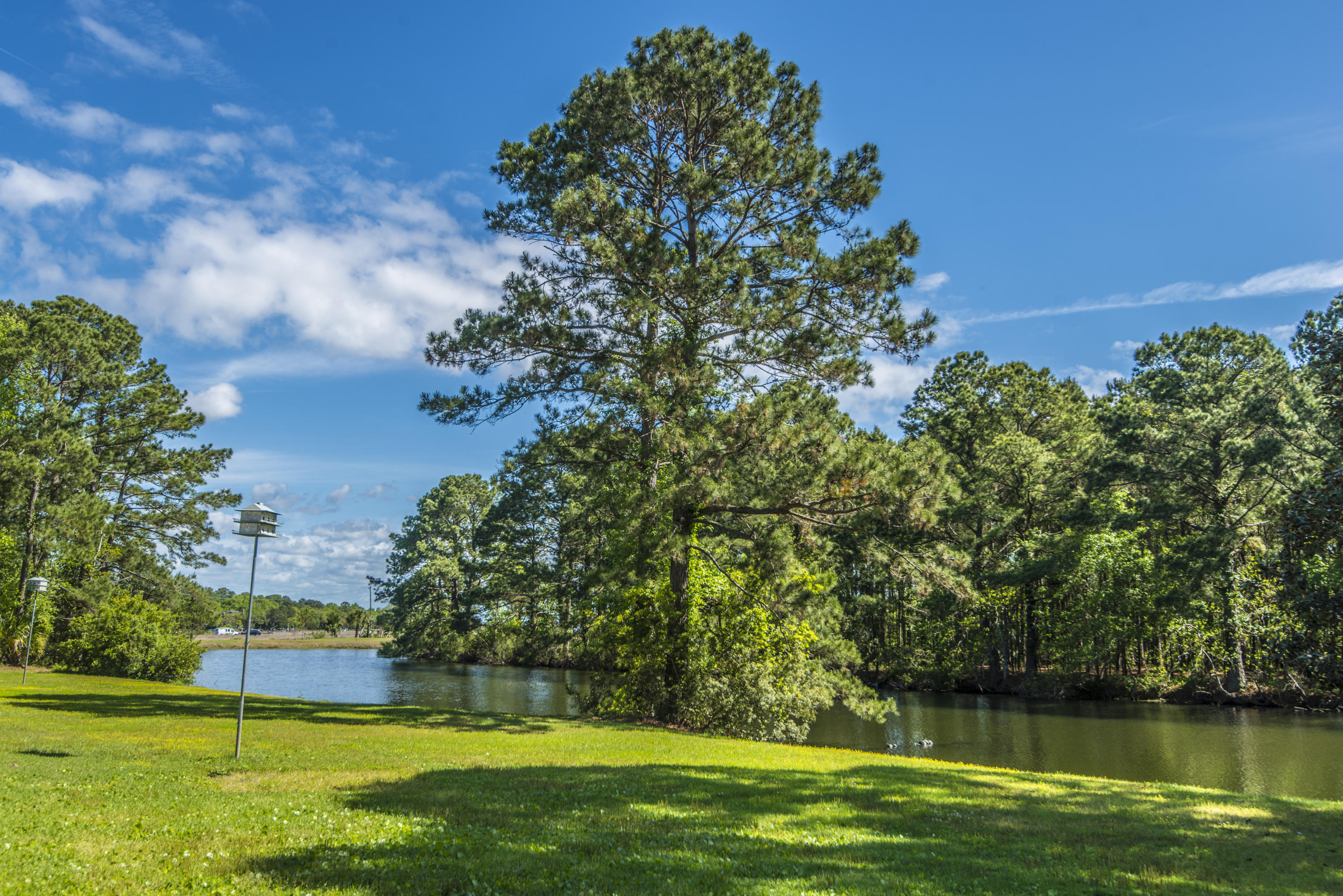 906 Plantation Lane Mount Pleasant, SC 29464