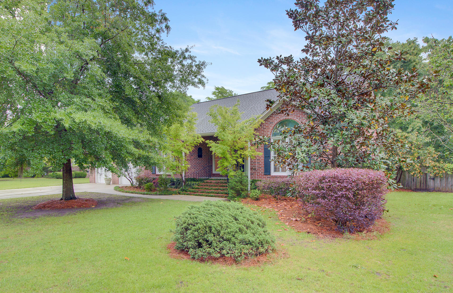 5509 Lachapelle Bend North Charleston, SC 29418