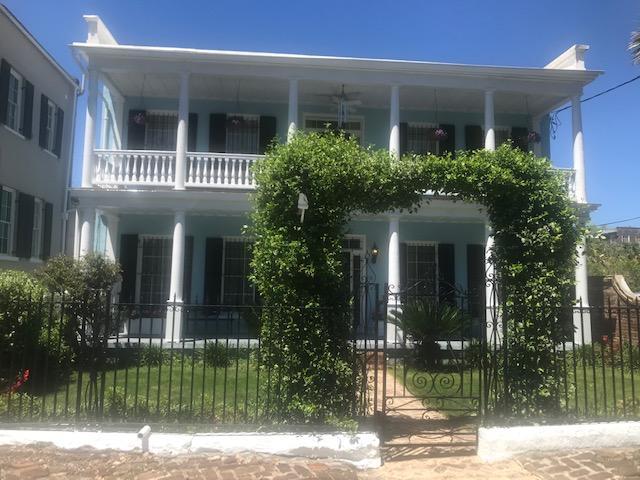 154 Wentworth Street Charleston, SC 29401