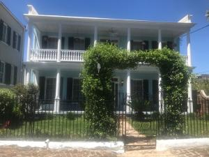 154 Wentworth Street, Charleston, SC 29401