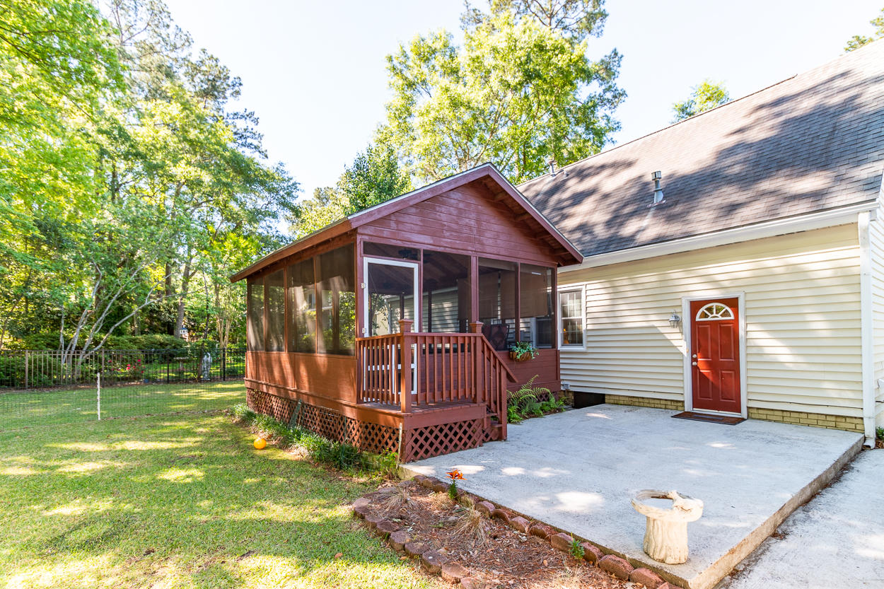 215 Shaftesbury Lane Summerville, SC 29485