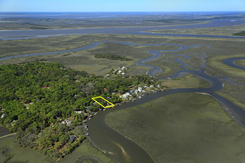 8918 Palmetto Road Edisto Island, SC 29438