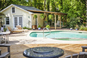 Separate guest house with new roof, tankless hot water system and outdoor shower