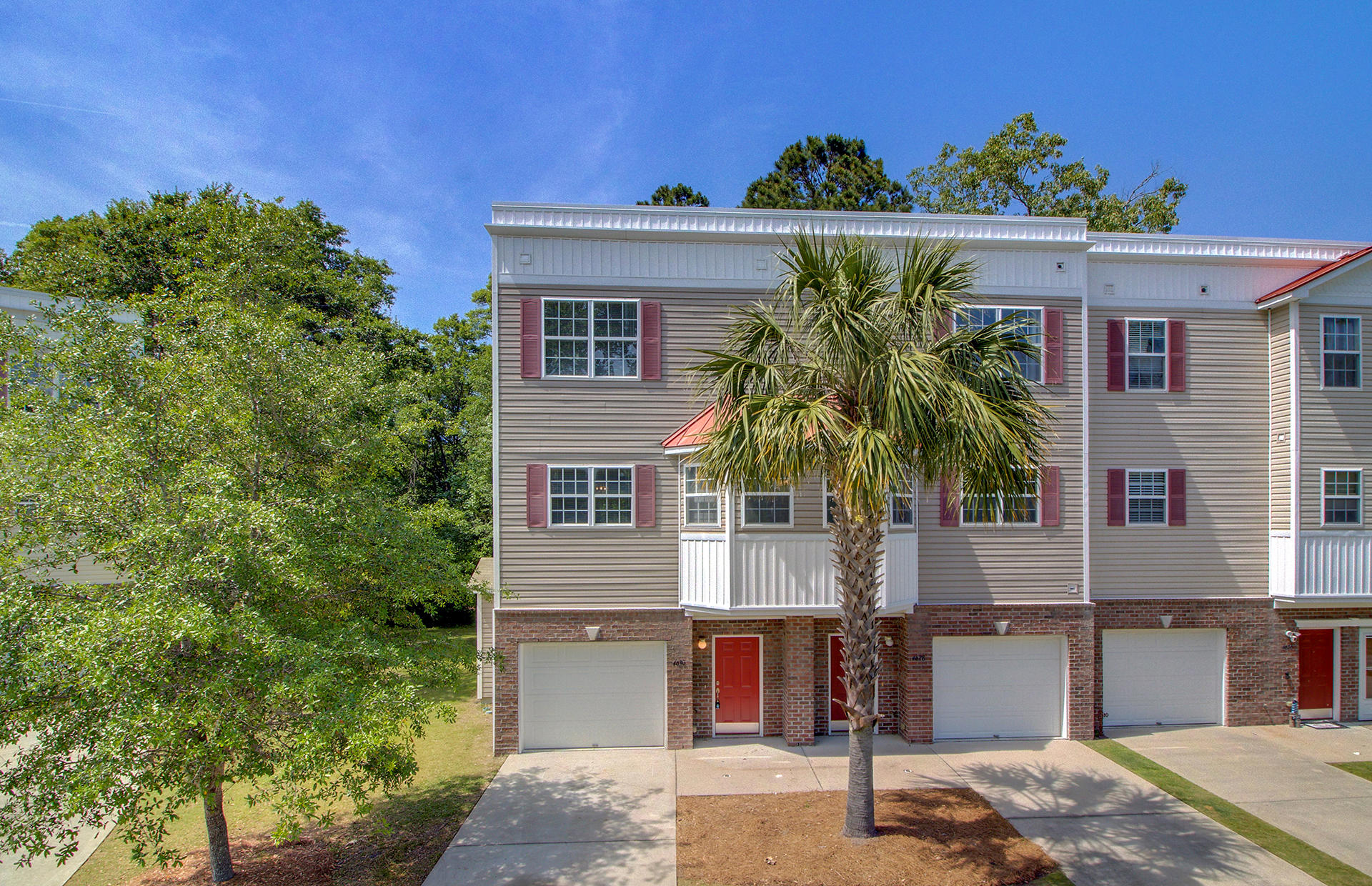 4630 N Palm View Circle North Charleston, SC 29418
