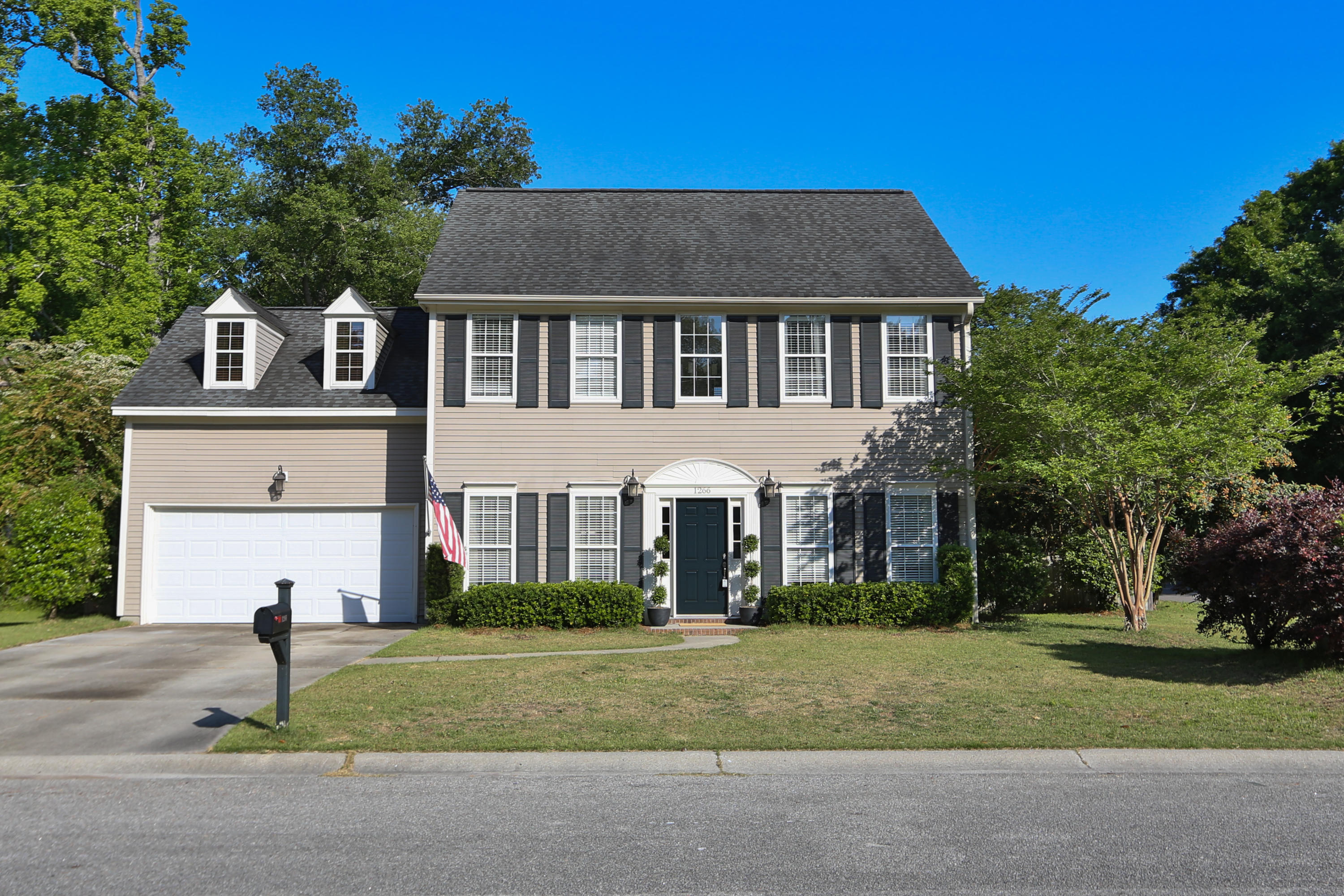 1266 Horseshoe Bend Mount Pleasant, SC 29464