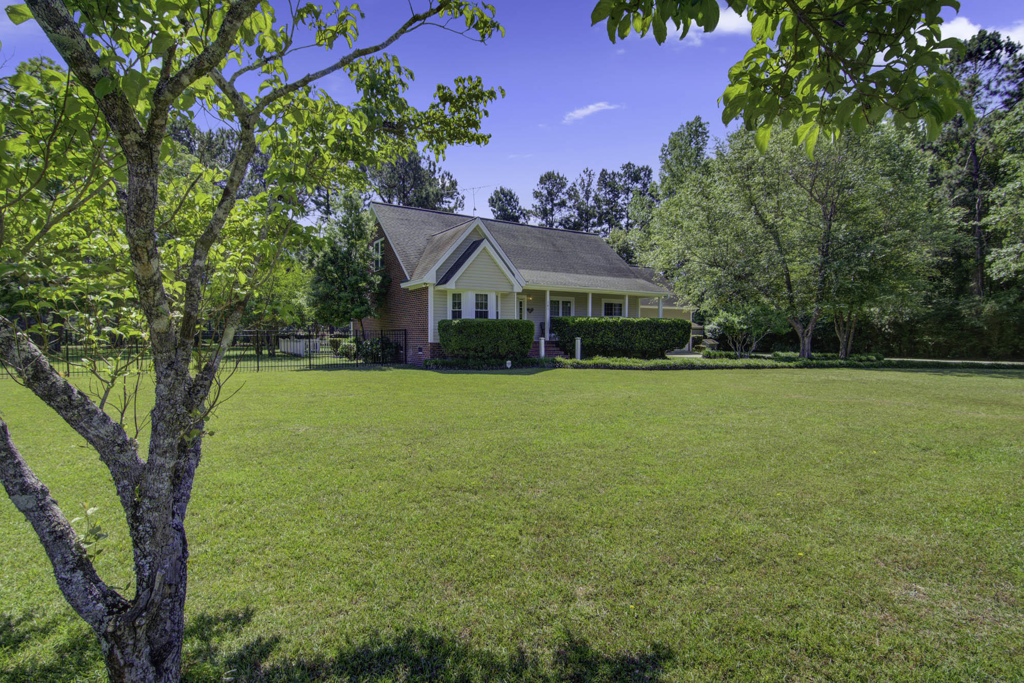 185 Country Club Boulevard Saint George, SC 29477