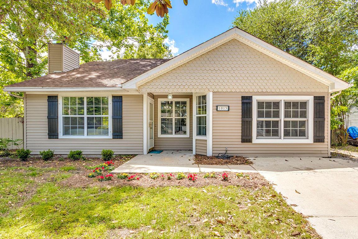 1013 Oakcrest Drive Charleston, SC 29412