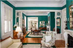 136 Broad Street, Charleston, SC 29401