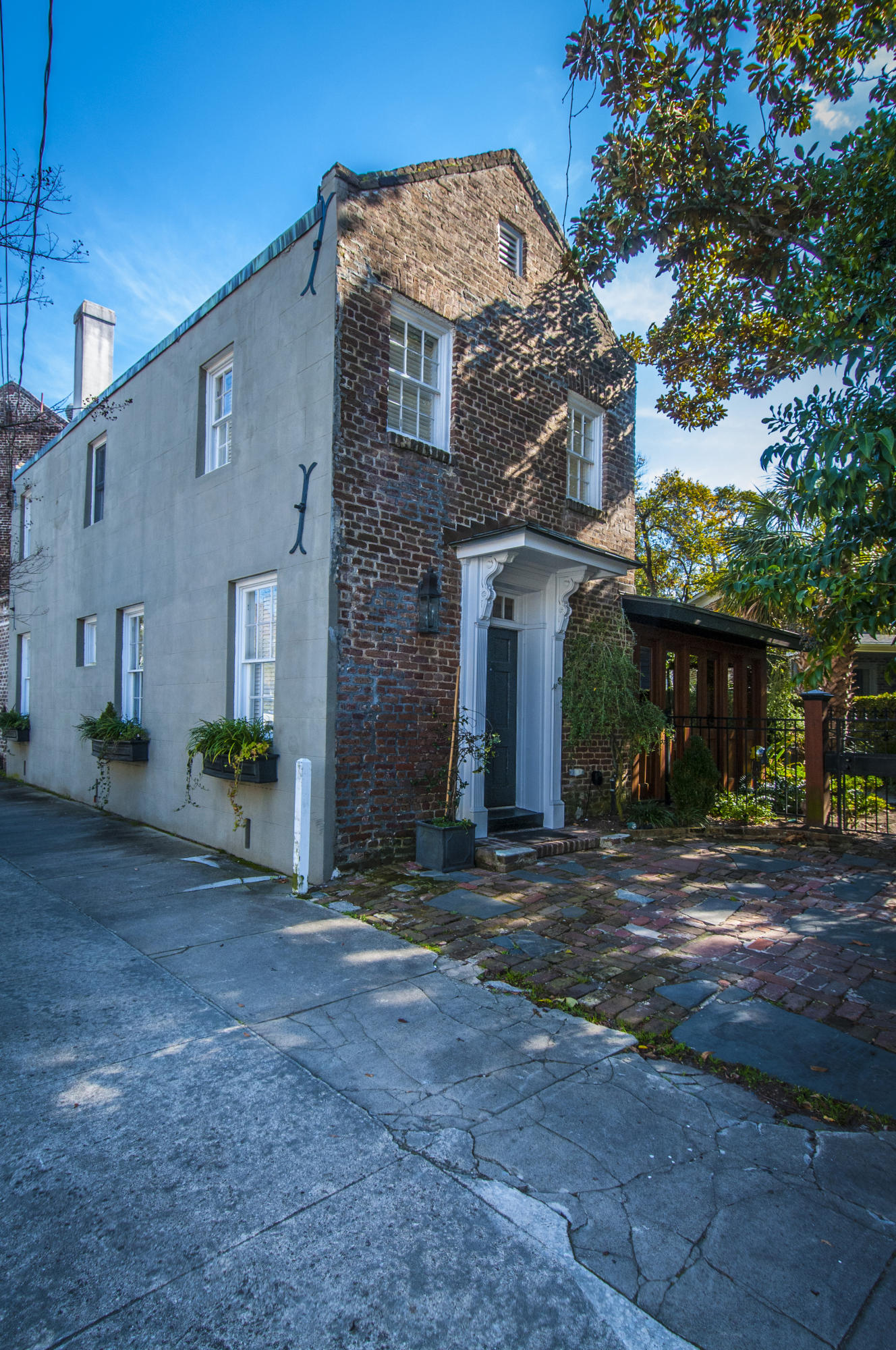 149 Broad Street Charleston, SC 29401