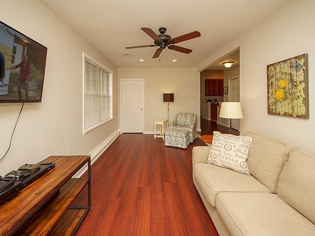 Willow Walk Homes For Sale - 1020 Oakcrest, Charleston, SC - 9
