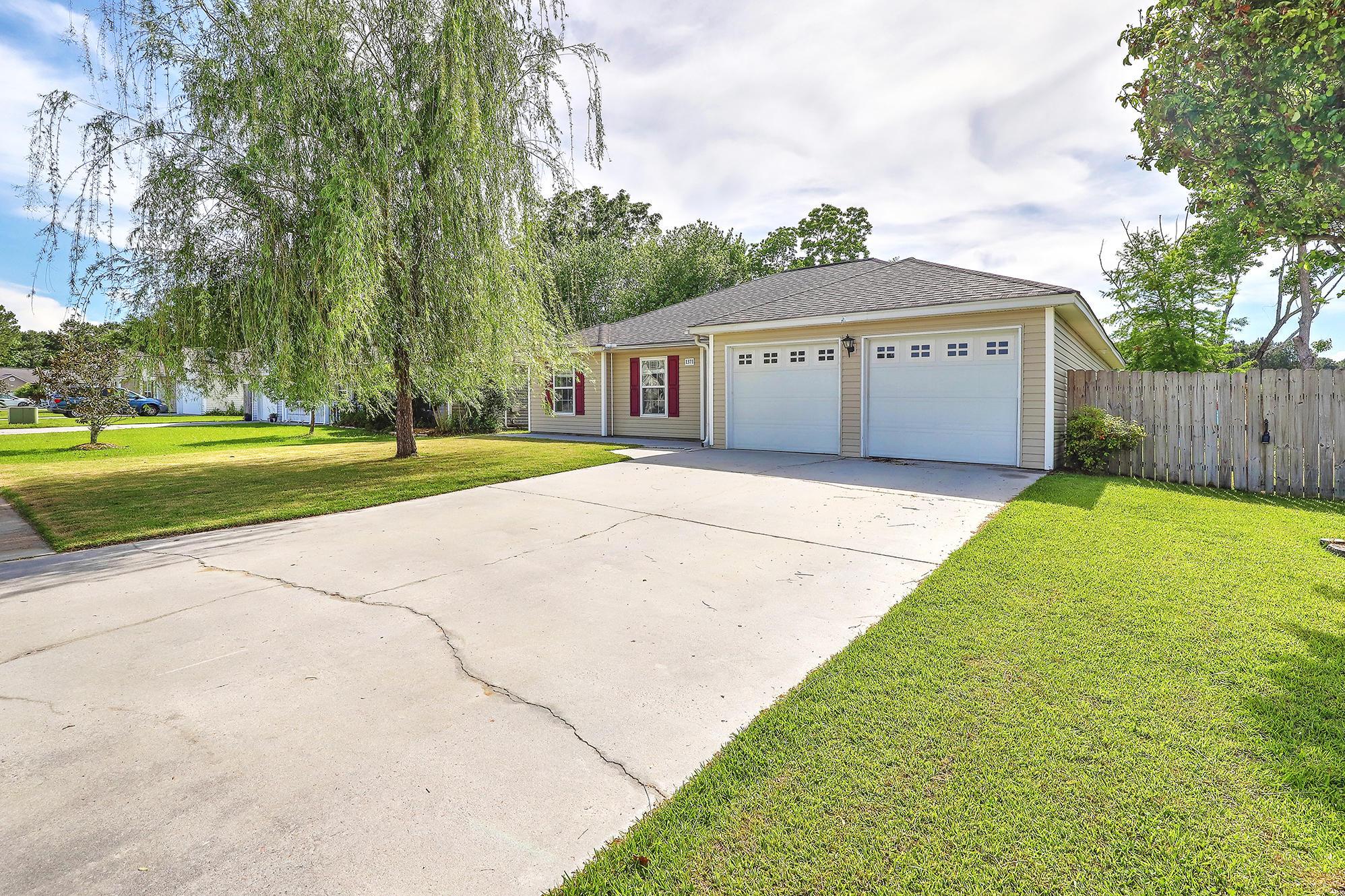 1371 Belle Grove Circle Hanahan, SC 29410