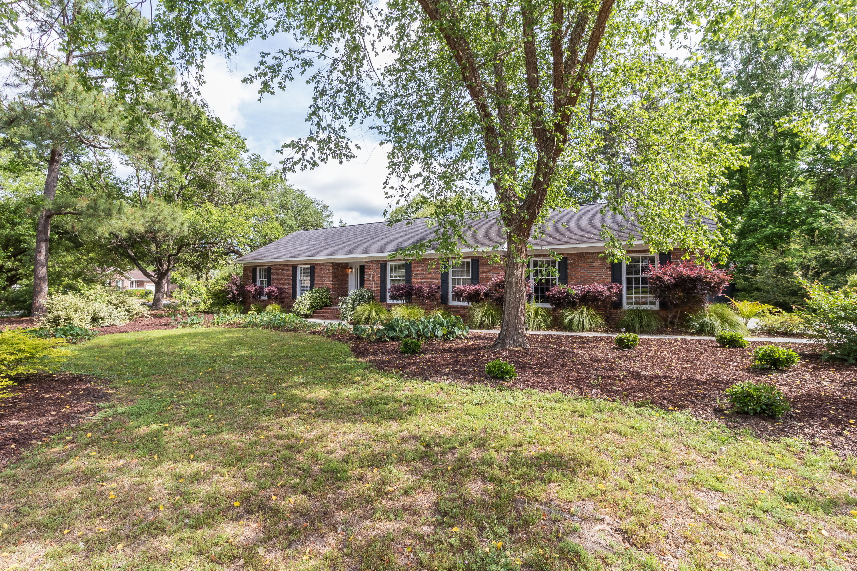 955 Law Lane Mount Pleasant, SC 29464