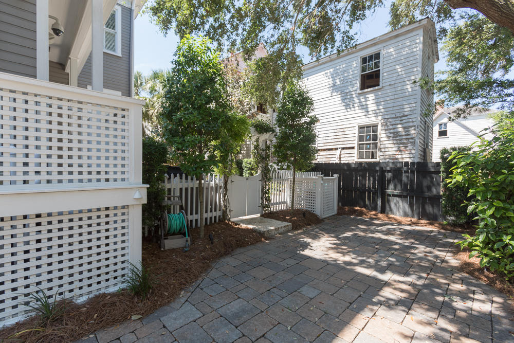 174 Broad Street Charleston, SC 29401