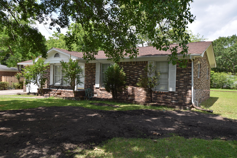 2818 Fernwood Drive North Charleston, SC 29406