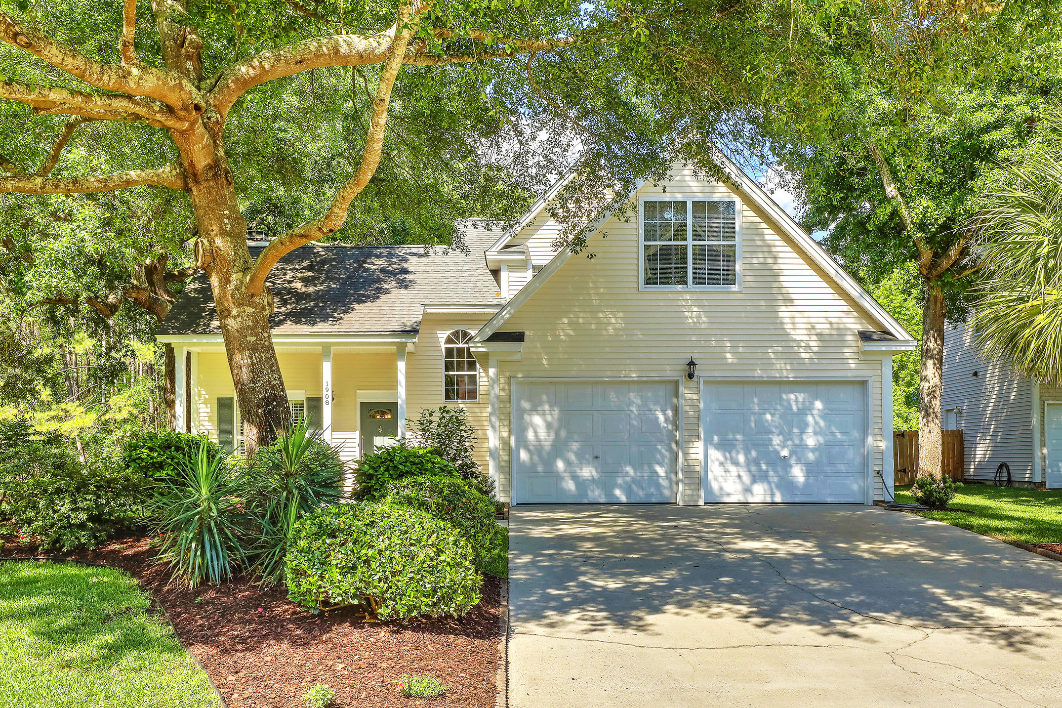 1908 Oak Tree Lane Mount Pleasant, SC 29464