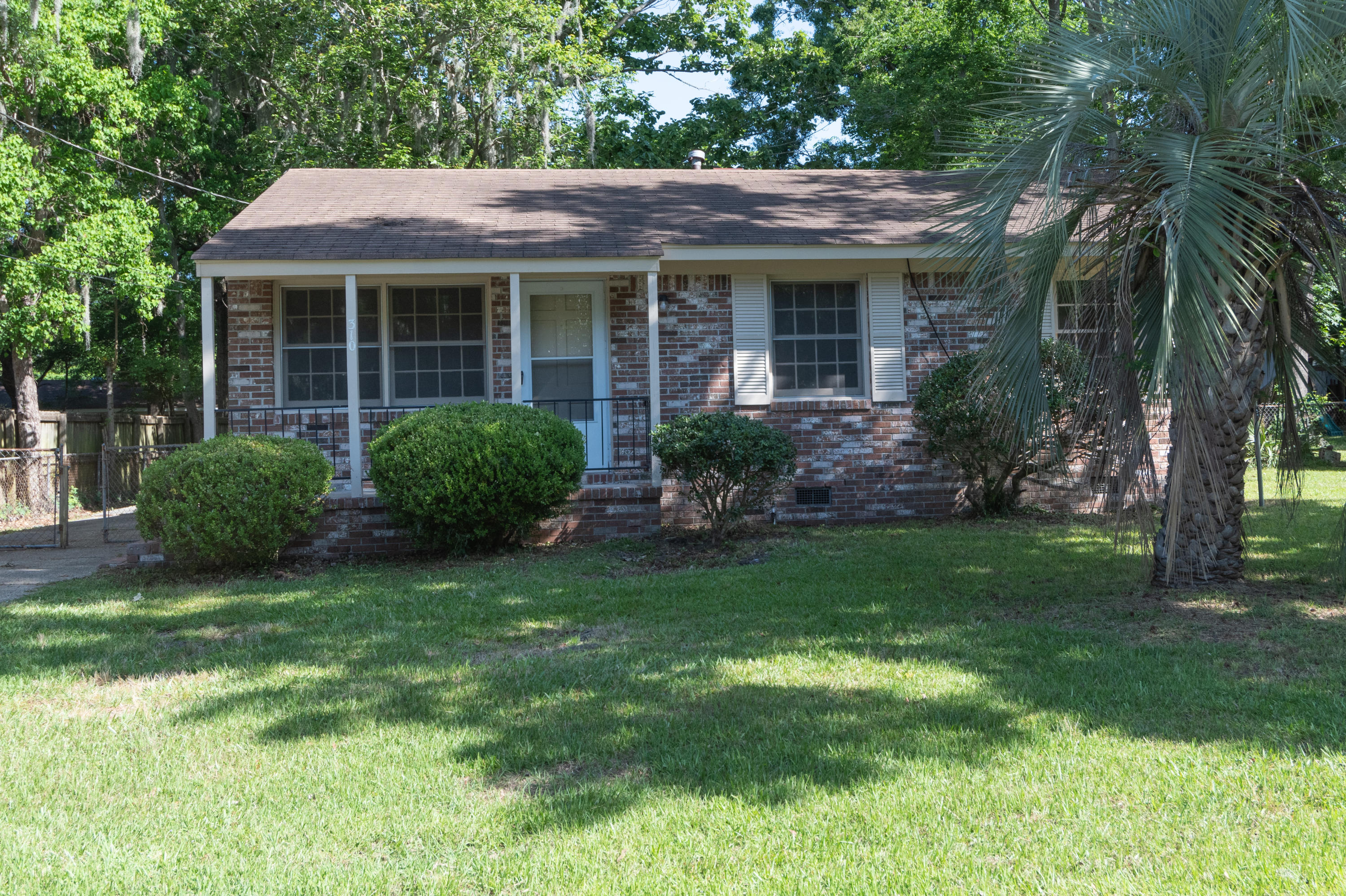 310 Birch Avenue Goose Creek, SC 29445