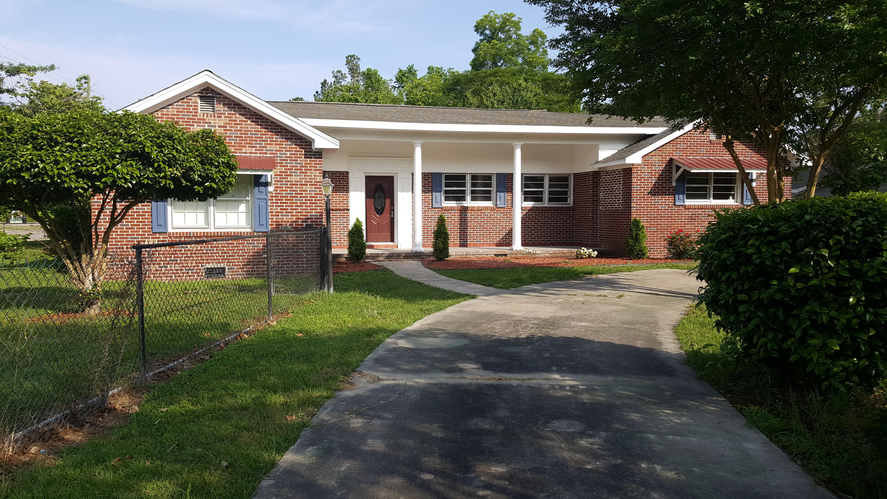 105 Russell Street Holly Hill, SC 29059
