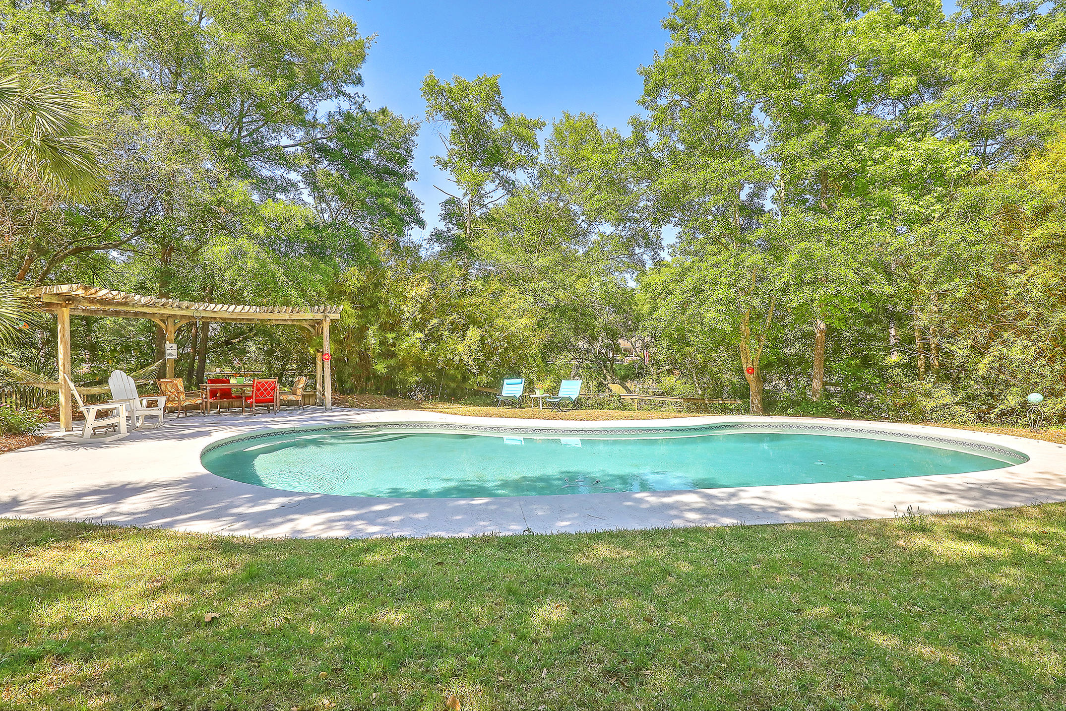 808 Milldenhall Road Mount Pleasant, SC 29464