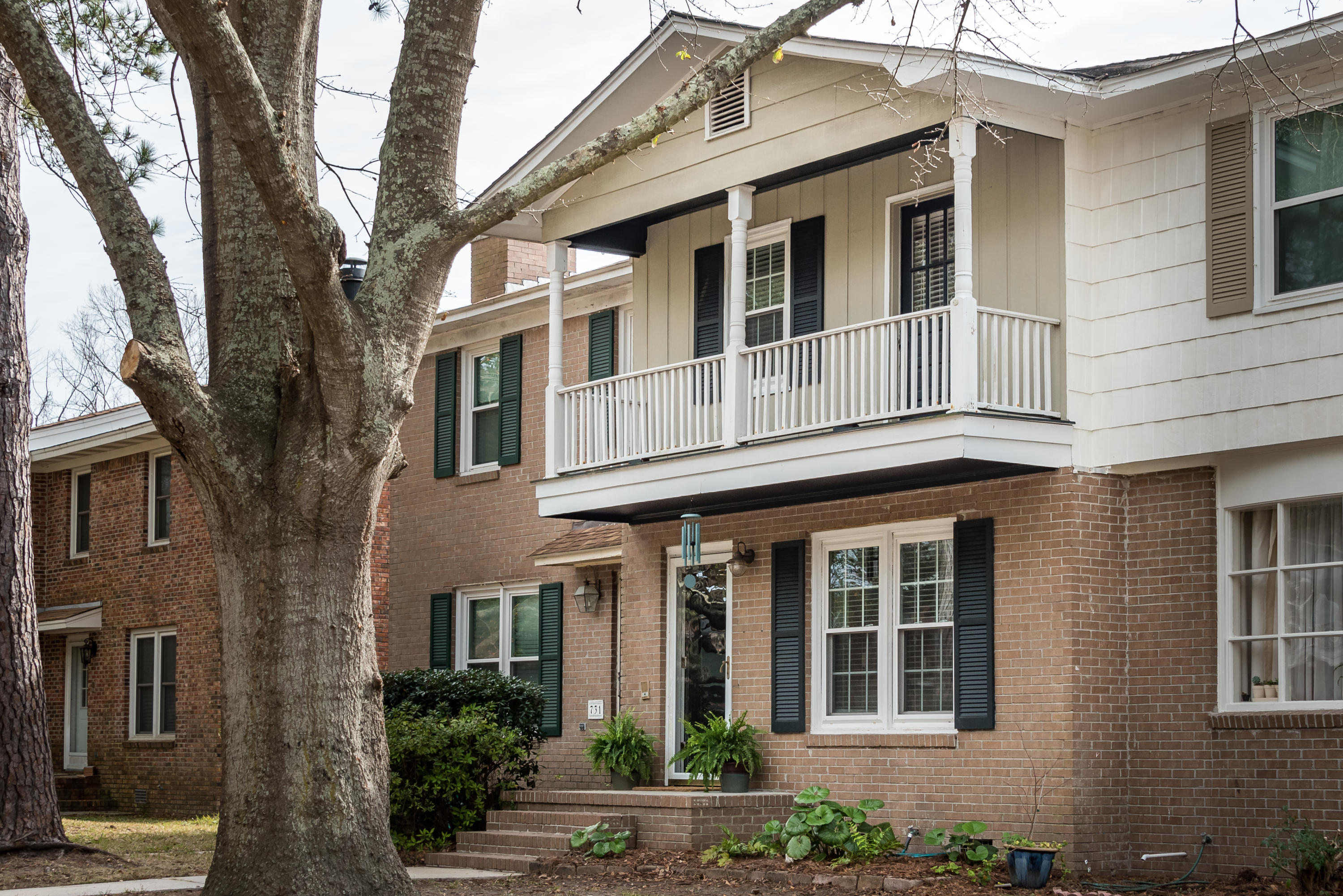 729 Harbor Lane Mount Pleasant, SC 29464