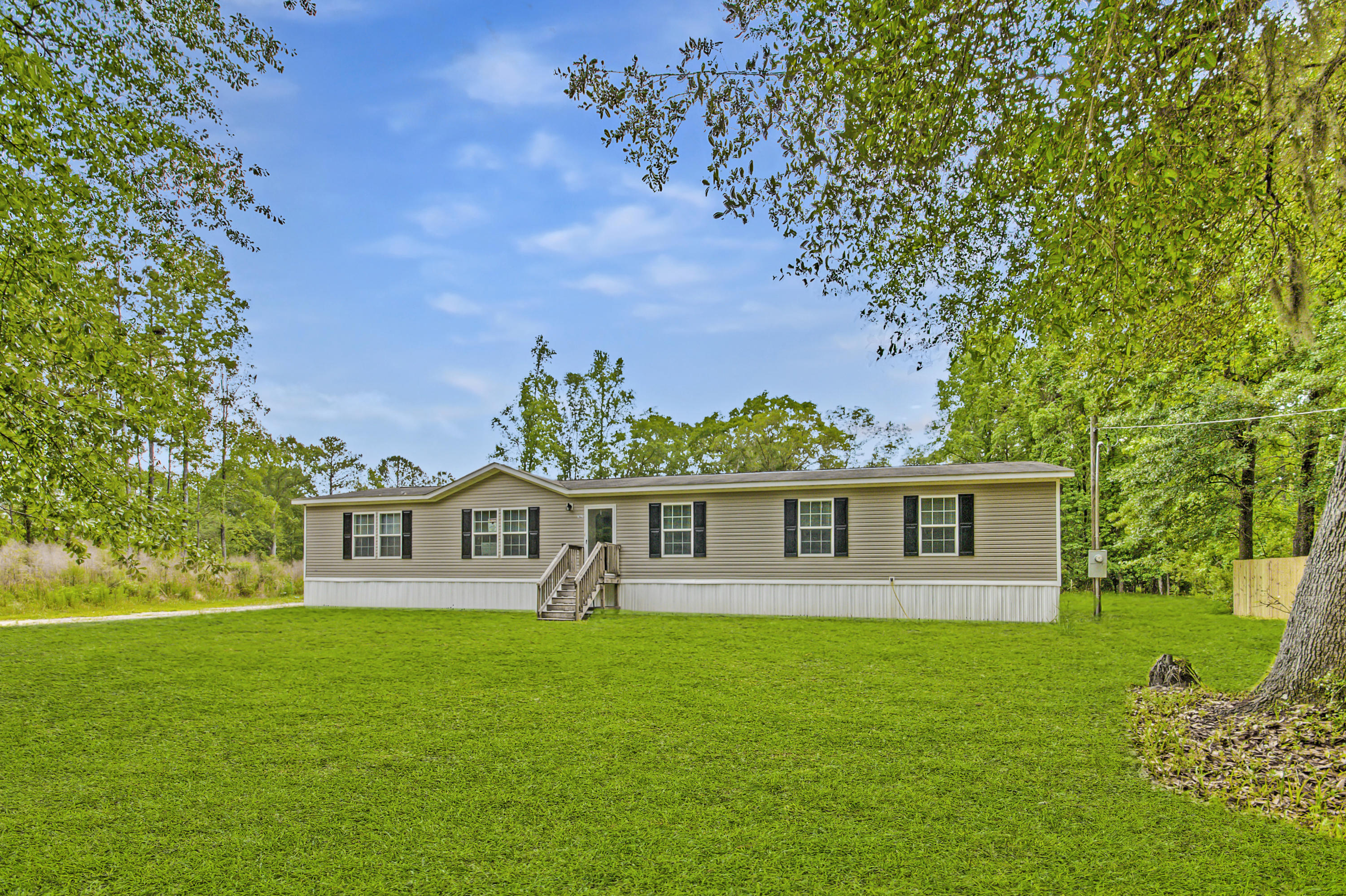 7927 Little Britton Road Hollywood, Sc 29449