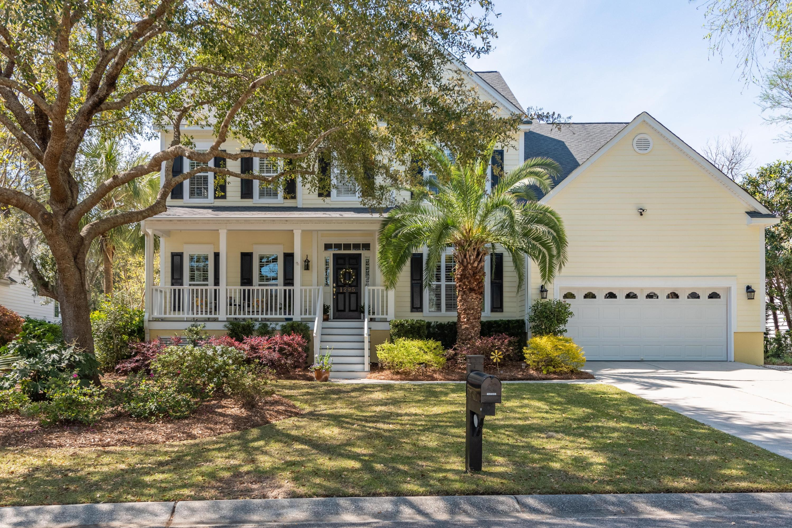 1295 Palmetto Peninsula Drive Mount Pleasant, SC 29464