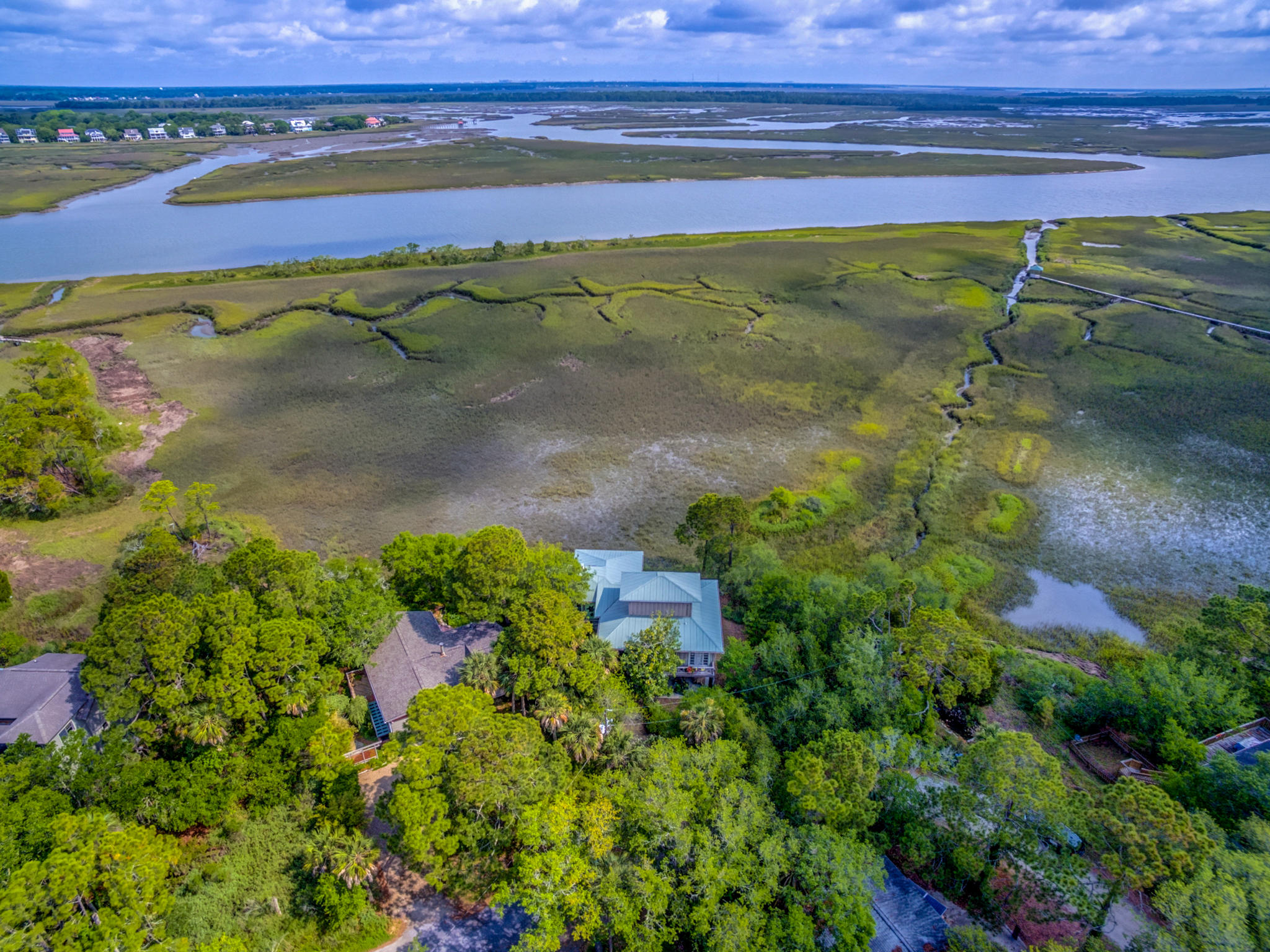 522 E Huron Avenue Folly Beach, SC 29439