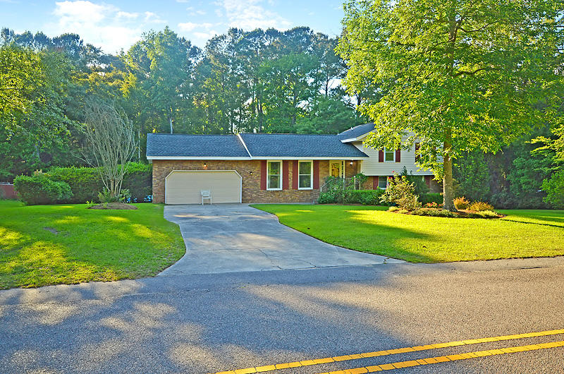 102 King Charles Circle Summerville, SC 29485