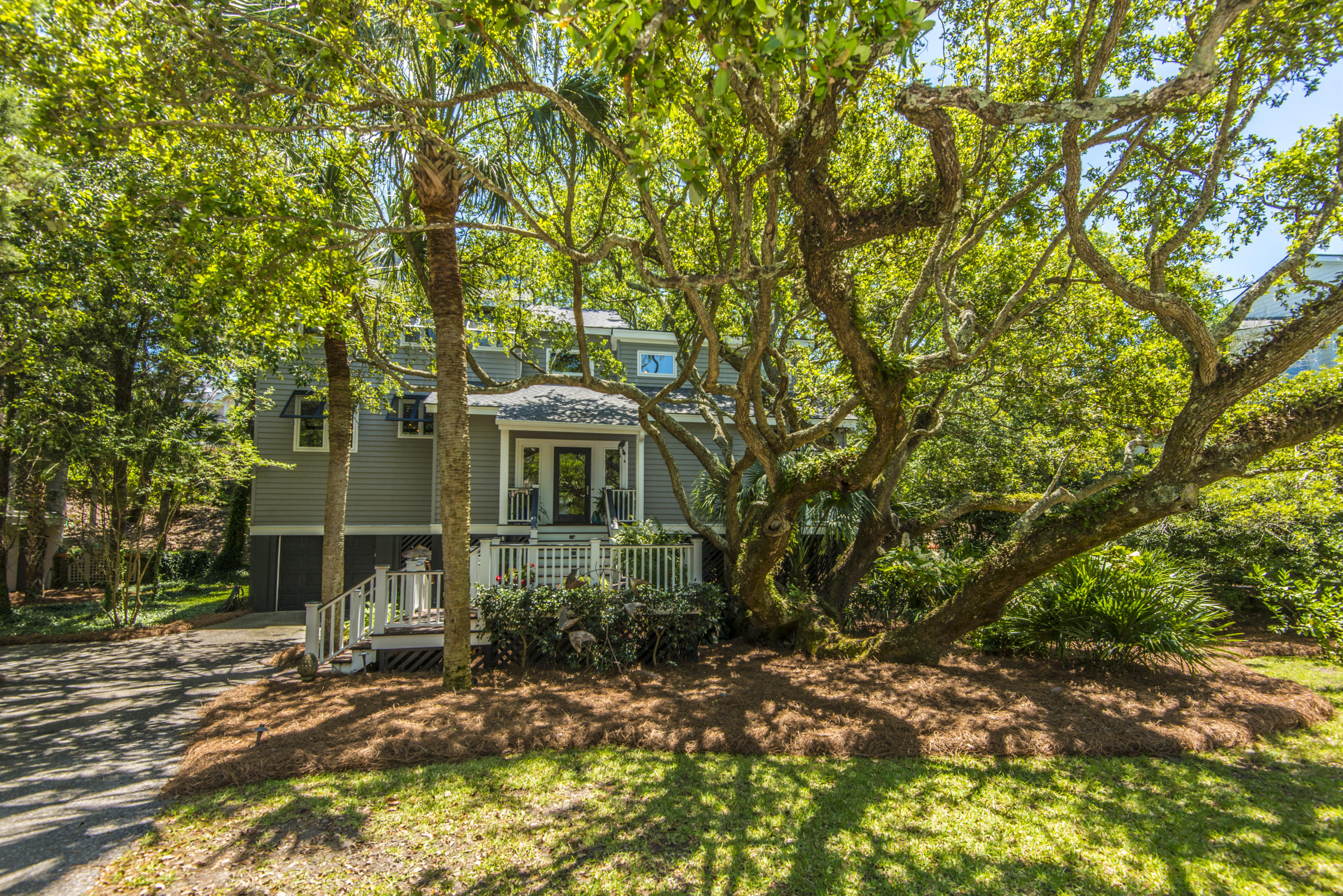 15 Beachwood W Isle Of Palms, SC 29451