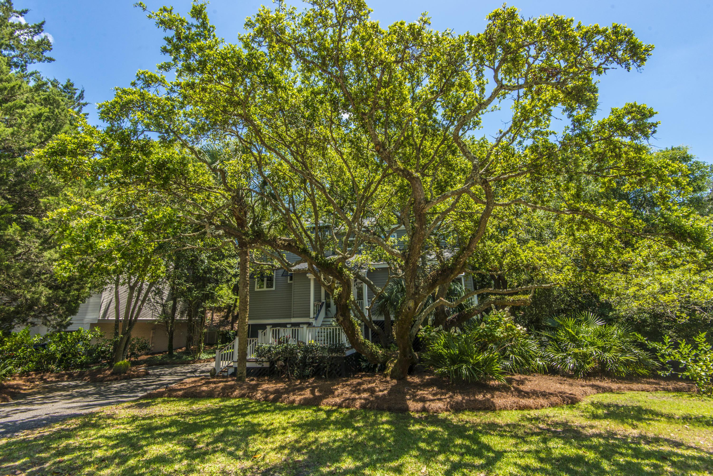 15 Beachwood W Isle Of Palms, SC 29451