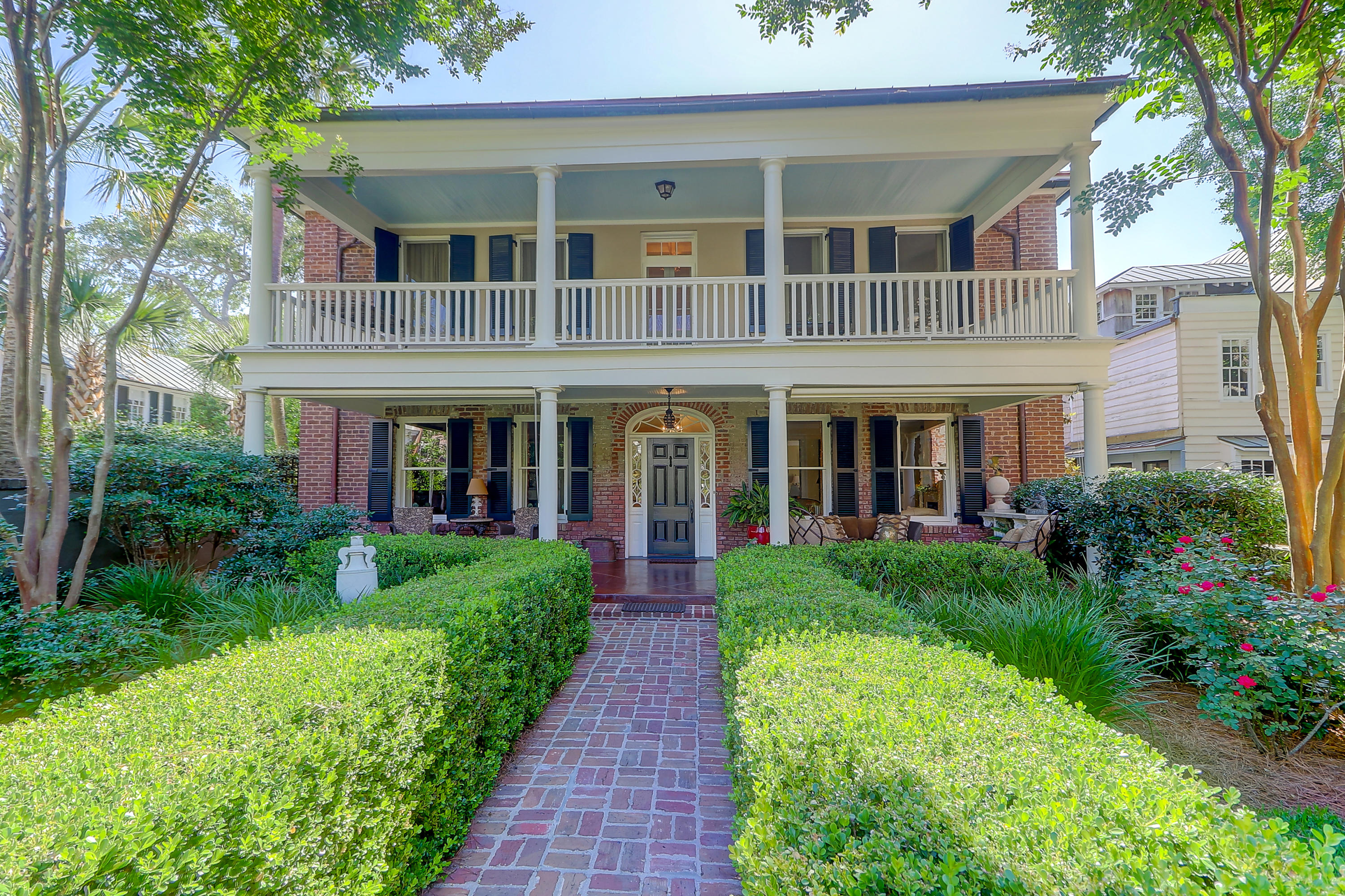 12 Limehouse Street Charleston, SC 29401