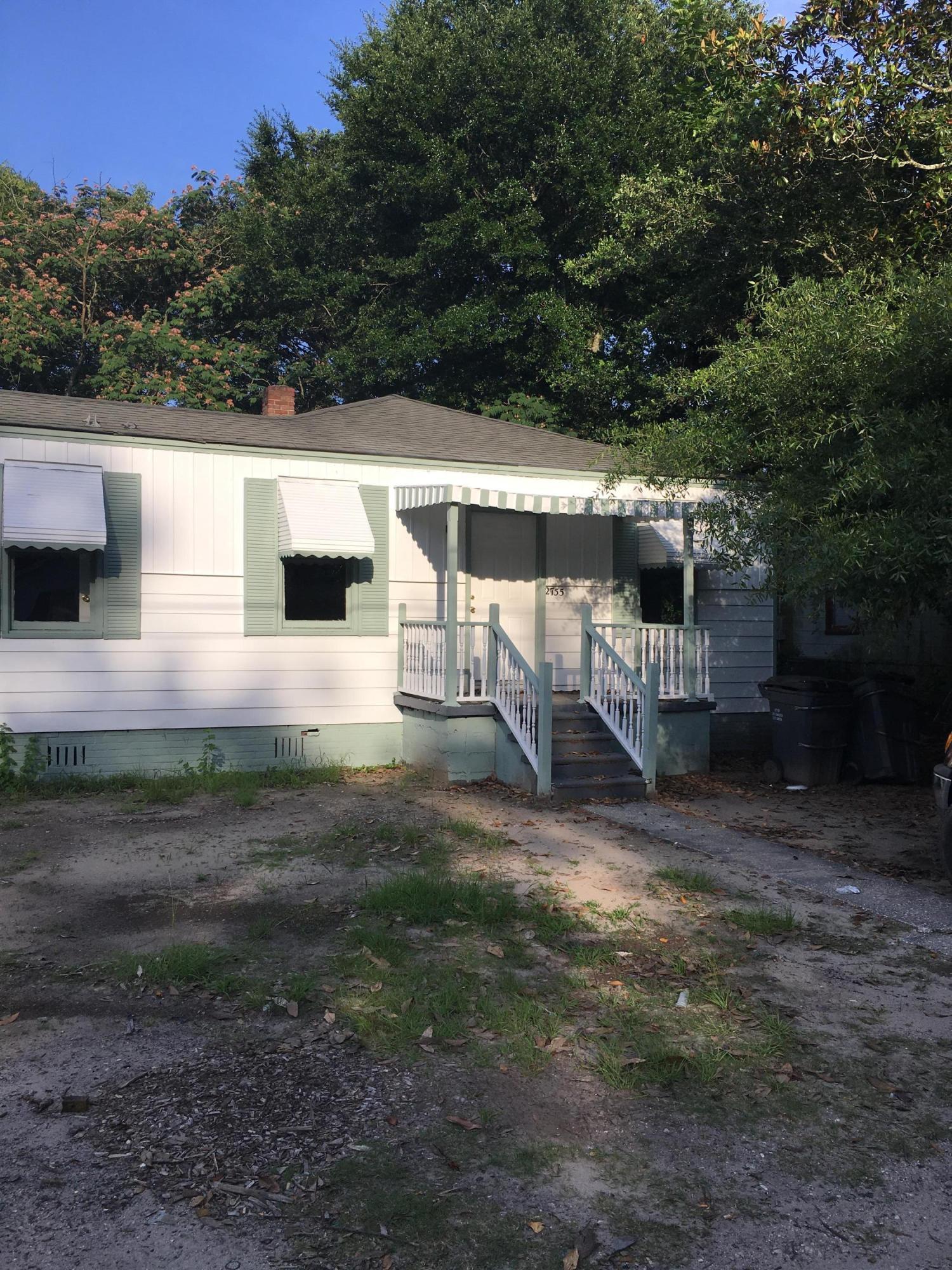 2755 E Surrey Drive North Charleston, SC 29405