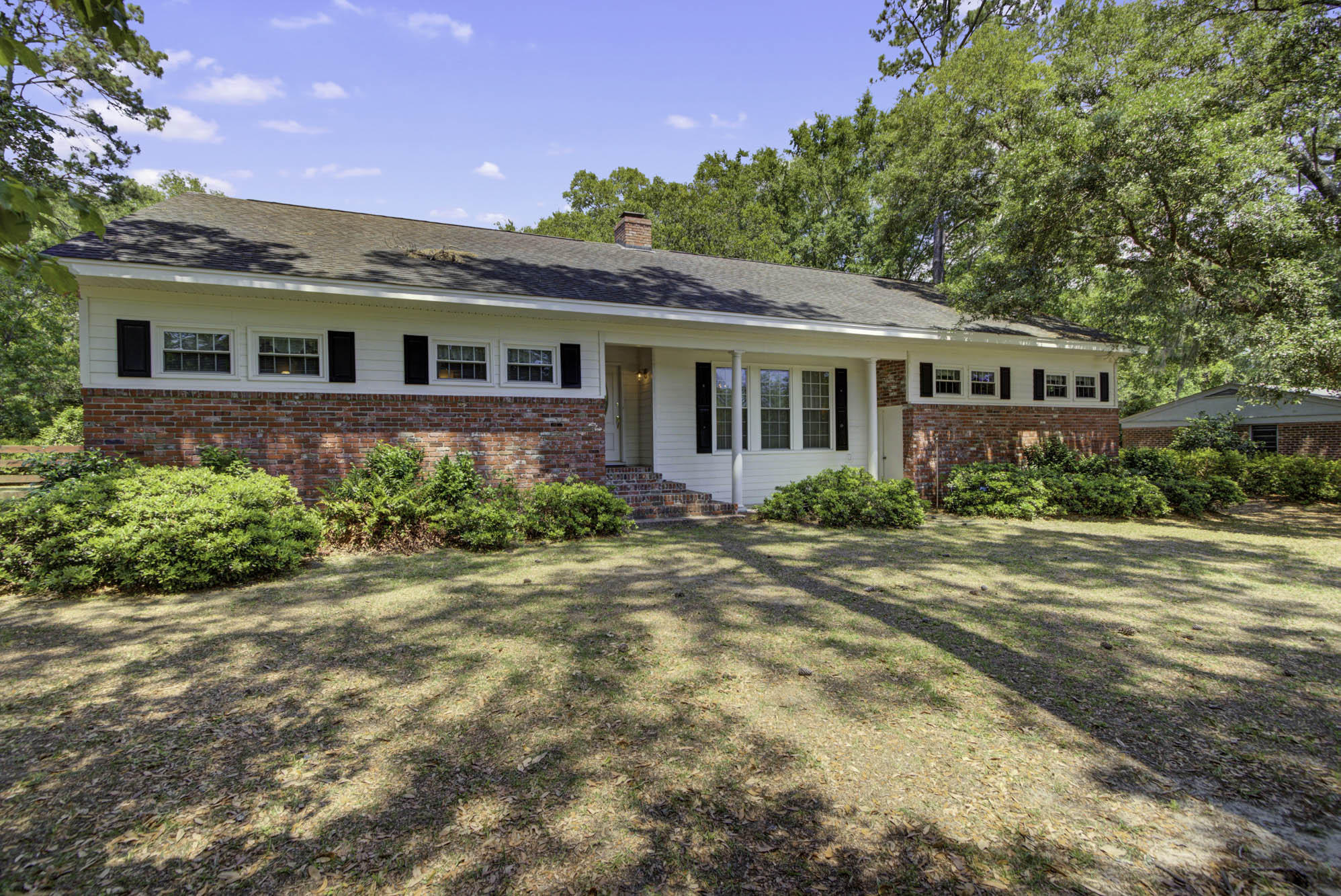 292 Hobcaw Drive Mount Pleasant, SC 29464