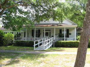 613 Magnolia Street, Summerville, SC 29483